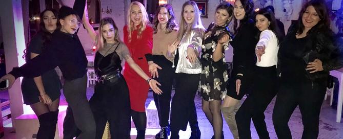CONTEMPORARY – 3. Metropolitan Fashion Day, o kome će se još dugo pričati, održan je u klubu Ben Akiba pod realizacijom studentkinja završne godine Modnog dizajna Fakulteta digitalnih umetnosti i profesorke Milice Slijepčević.